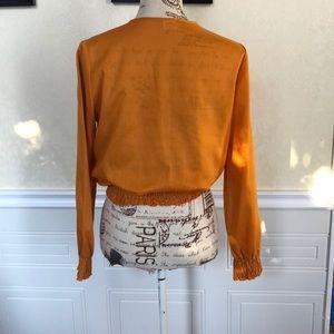 Vintage Tops - Price Drop 🎀 Vintage Boho Style Cropped Shirt